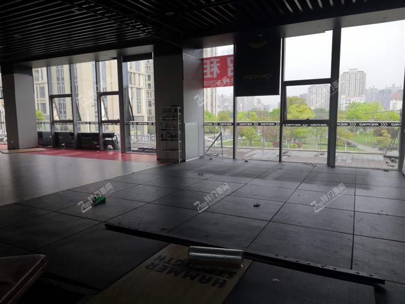 红谷滩新区世贸APM有2楼旺铺招租