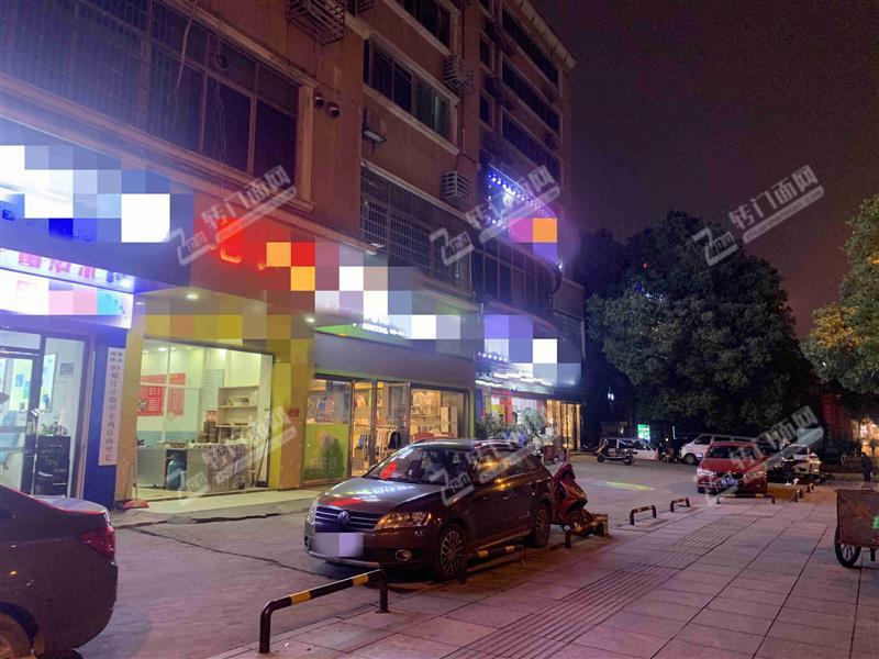 枫林路临街52㎡盈利粉面餐饮老店转让(可住人)